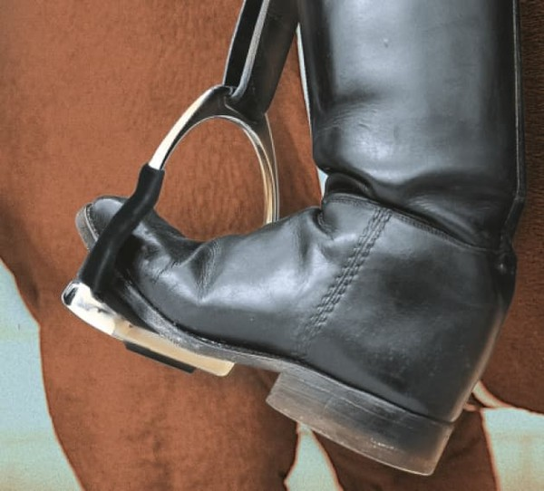 System 4 stirrups boot